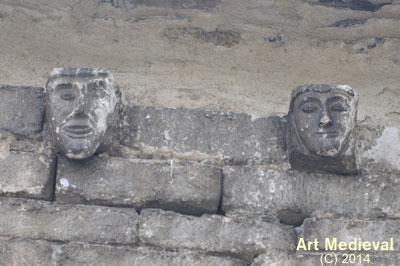 Mènsules del mur nord